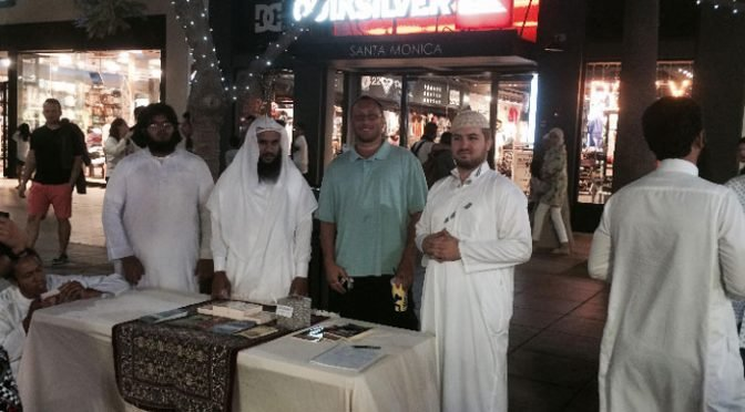 Jamie Glazov and the CJC Take the Truth About Islam to 3rd St. Promenade